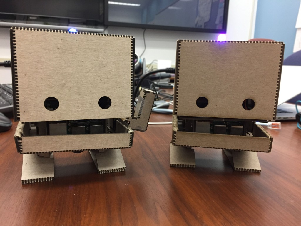 IBM教你用树莓派DIY出一个纸板机器人