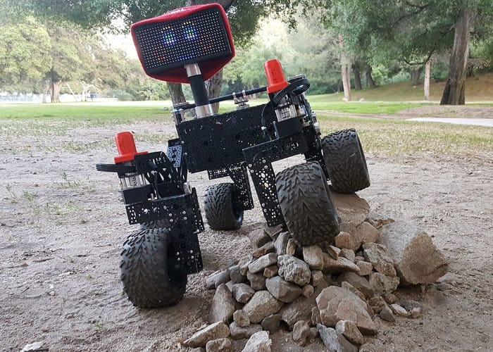牛X的DIY树莓派NASA好奇号漫游车项目